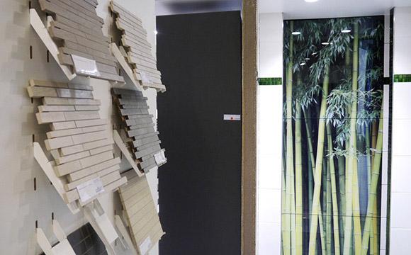 Wandstrukturen mit Fliesen