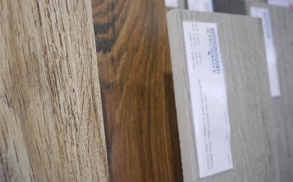 Fliesen in Holzoptik beim Bayerischen Fliesenhandel