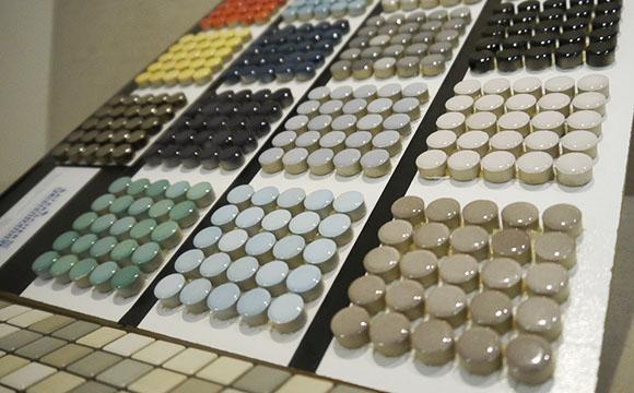 Runde Mosaike in verschiedenen Farben
